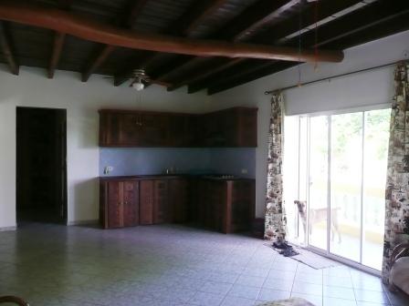 A vendre, maison avec appartement