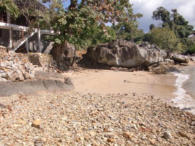 A Louer, superbe maison pied dans l'eau à Ampagorina.