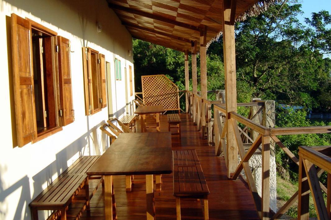 A vendre, belle villa avec piscine situé à Ambatoloaka
