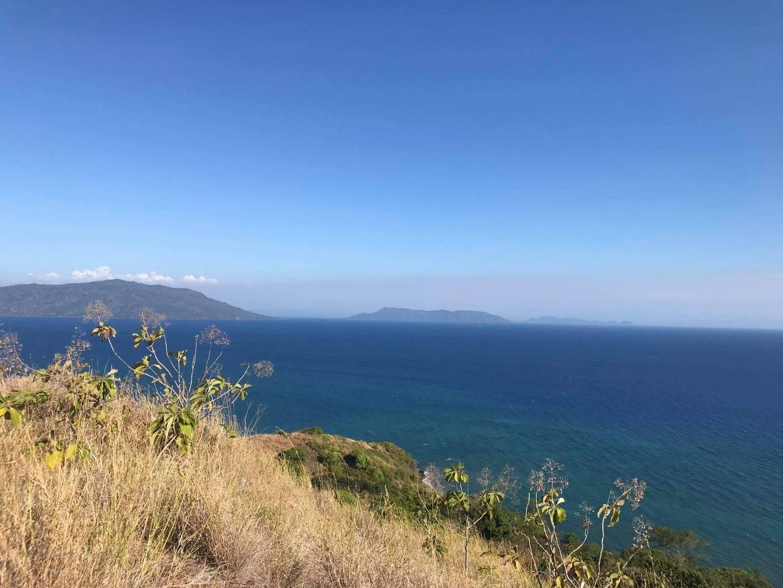 Terrain front mer avec vue exceptionnelle bien dégagée sur l'océan