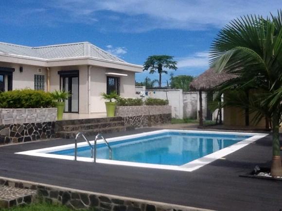 Charmante villa avec piscine dans un quartier résidentiel de Nosy Be