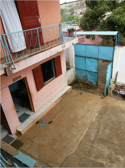 A louer, jolie appartement pas loin de centre ville au RDC