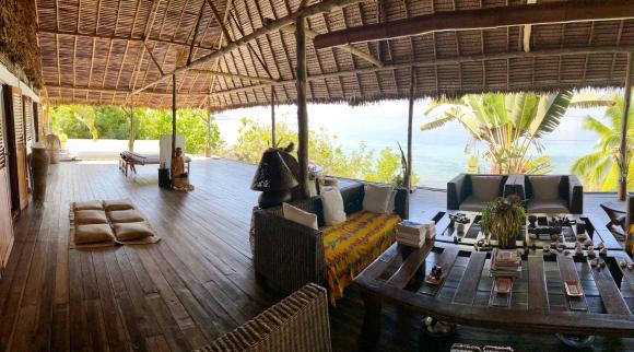 A vendre, charmante villa plain pied en bord de plage