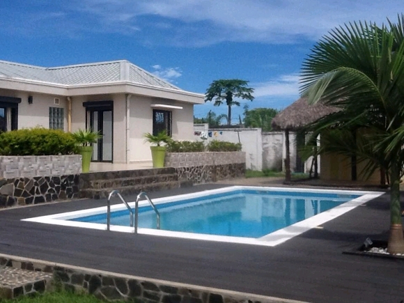 A louer superbe villa avec piscine à Madirokely