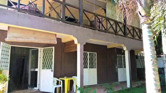 Appartement et studio à louer situé à Ambatoloaka