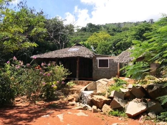 Maison de type Malgache avec vue à 180° sur la mer