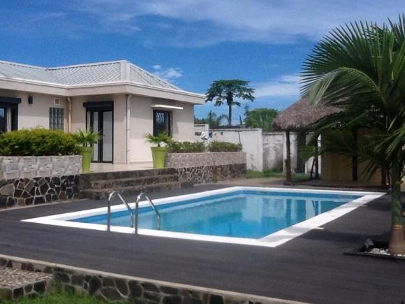 A louer superbe villa avec piscine à Madirokely(2)