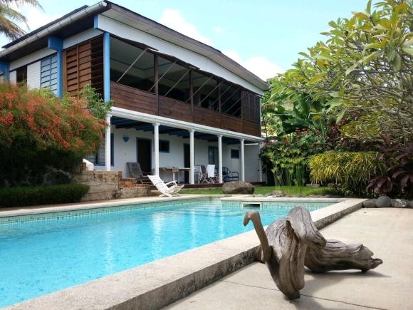 Villa avec piscine avec vue panoramique sur la mer