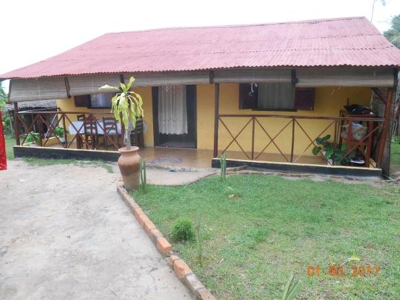 A louer, maison type F2 situé à Ambondrona