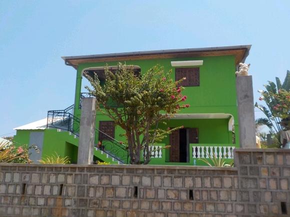 Belle maison à louer en hauteur à Ambondrona