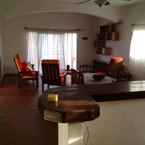 Maison à étage avec entrée indépendante pour chaque appartement