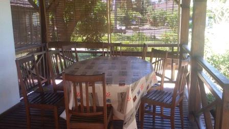 A louer, joli appartement situé sur la plage d'Ambondrona