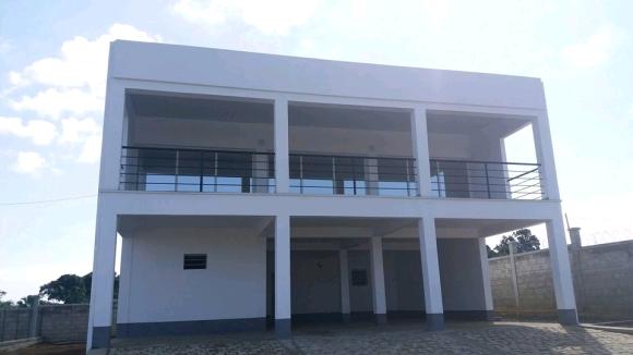 A louer, grande maison de style contemporaine