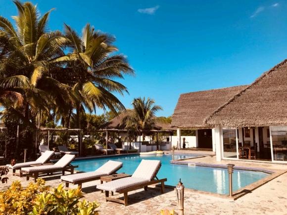 A vendre, hôtel sur la plage