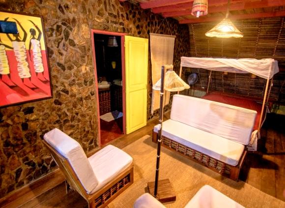 A vendre, Hotel-Restaurant situé à Ambonara à Nosy-be
