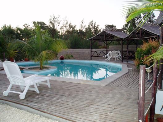 A vendre, charmante maison d'hôte avec piscine  à 200 m de la plage