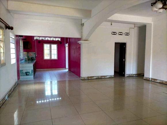 Bel appartement en ville, non meublée, calme et sécurisée