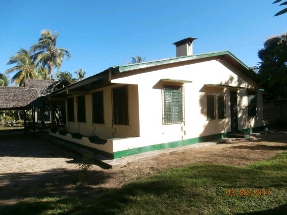 Jolie maison à louer aux cocotiers