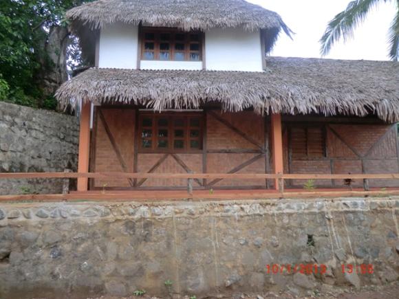 A Louer, Maison avec Vue mer  à Ampasimena