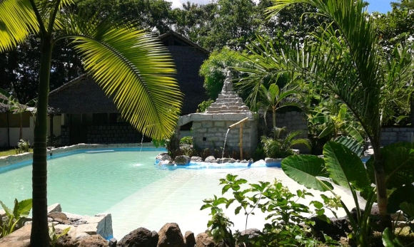 A vendre maison d'hôte avec piscine dans un environnement calme et verdoyant
