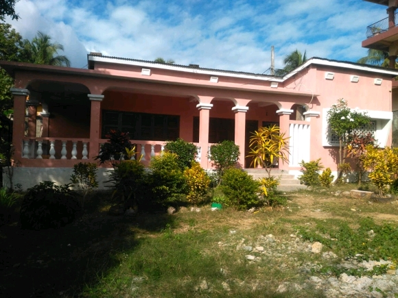 Maison à louer à Ambonara