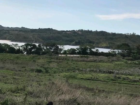 A vendre, terrain avec vue sur mer et sur l'île Sakatia