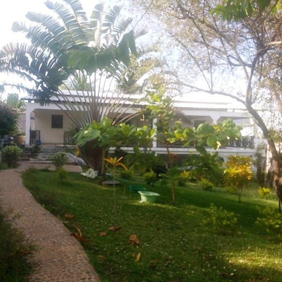 A louer, jolie villa et bungalow à Madirokely