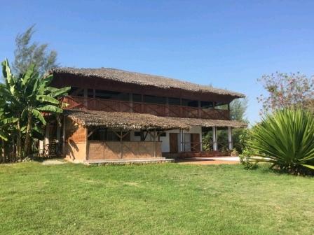 A louer, grande maison avec piscine situé dans un cadre naturel
