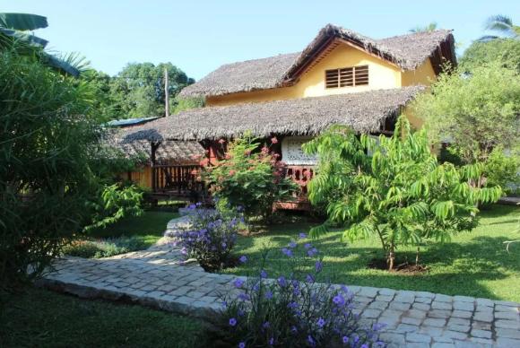 Charmante maison avec piscine à Ambatoloaka