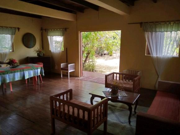 A louer, maison à étage près de la plage de cocotier