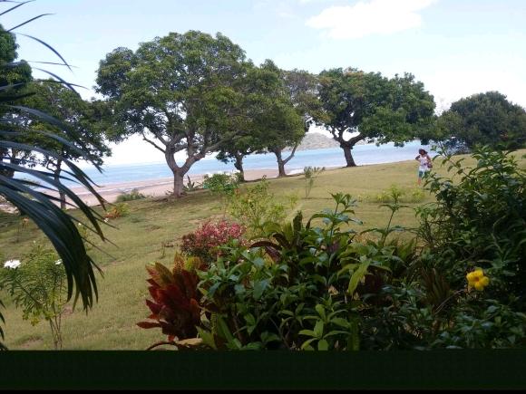 Charmante maison au bord de plage d'Ampasikely