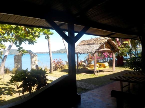 Maison à louer en bord de  plage d'Ambaro