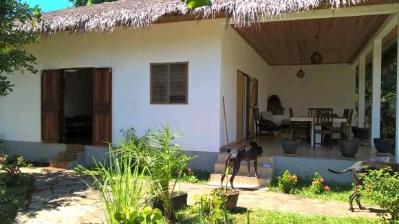 Villa à louer à 50 m de la plage d'Ambondrona