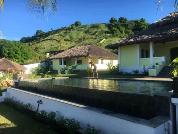 Jolie villa neuve à louer avec piscine et proche de tout commerce