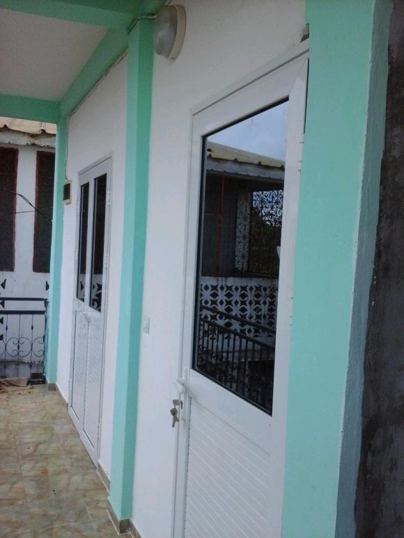 LM 252/ Maison à louer se trouve en ville (Senganinga)
