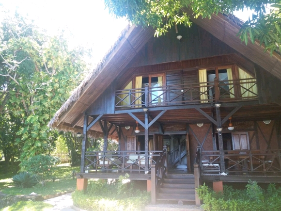 Charmante villa en bois avec piscine