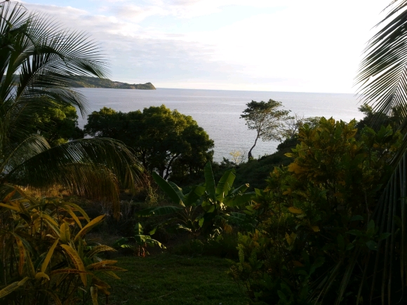 A vendre, superbe terrain avec vue sur l'île sakatia