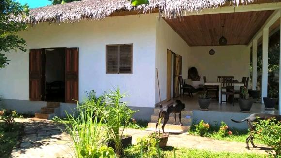 Jolie Villa à louer à 50 m de la plage d'Ambondrona