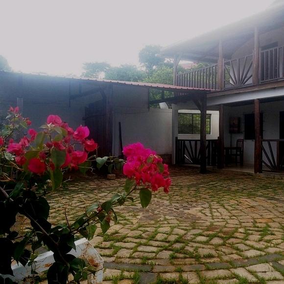 Appartement à louer en front mer situé à Antanamitarana
