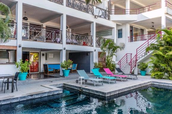Superbe Villa à louer avec piscine situé à Amabtoloaka