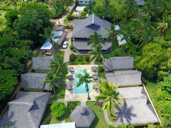 A vendre, hôtel, maison hôtes  à 50 m de la mer