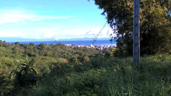 Terrain avec superbe vue sur mer sis à Tsimaramara