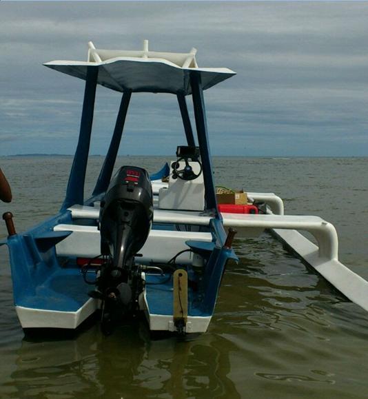 A vendre bateau  TOKY LAKA 50 CV suzuki